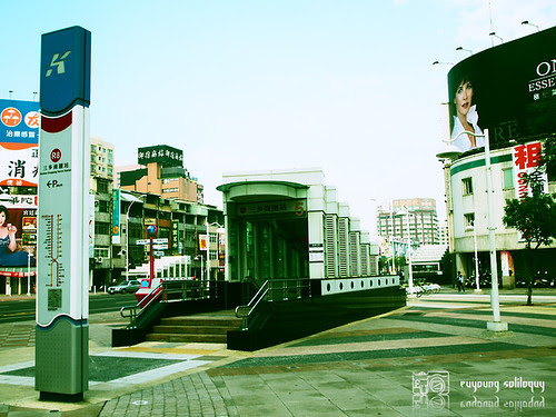 Olympus_EP2_Kaohsiung_09 (by euyoung)