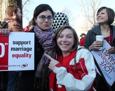 EUA declara inconstitucional lei que discrimina casamento entre pessoas do mesmo sexo