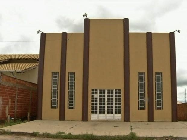 Adolescente é morto a facadas dentro de igreja em Anápolis, Goiás (Foto: Reprodução/TV Anhanguera)