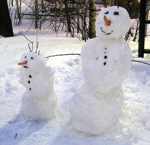 Snow mommy and her snow child