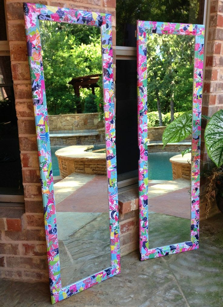 massachusettsprep:  pinkandgreenlivingthedream:  My sister made me these Lilly Pulitzer mirrors for my dorm out of an old Lilly agenda!!  I was just about to do this!!
