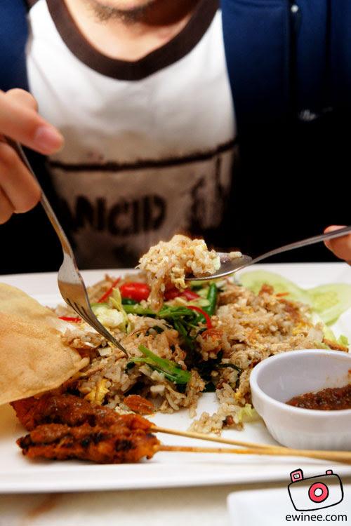 Rocket-United-Cafe-Fried-Rice