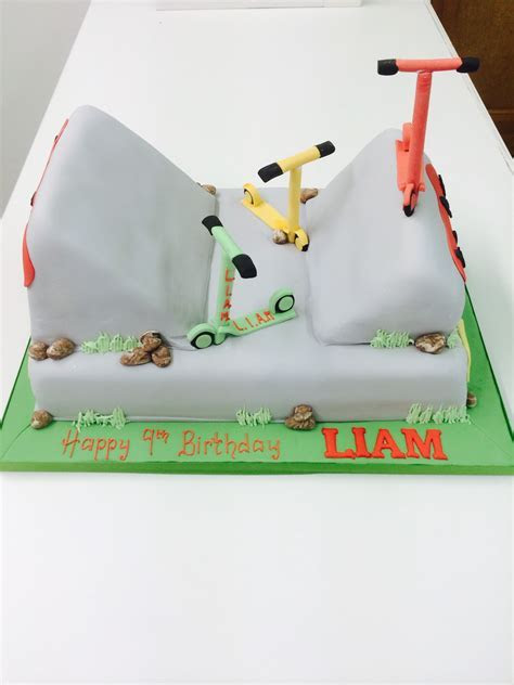 Scooter cake   Cakes for Celebrations