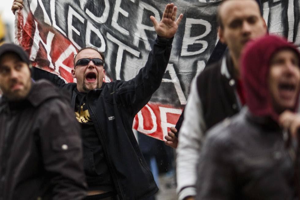Un grupo de neonazis, en un protesta en Berlín.