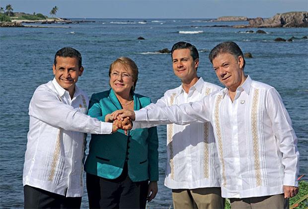 OS QUE  DÃO CERTO Os presidentes de Peru, Chile, México e Colômbia, nossos vizinhos promissores. Vamos nos aproximar deles? (Foto: Reuters)