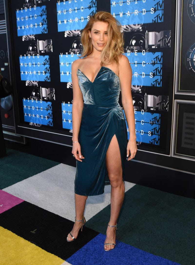 http://www.celebzz.com/wp-content/uploads/2015/08/arielle-vandenberg-at-2015-mtv-video-music-awards_6.jpg