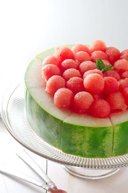 """decoração com melancia: """"bolinhas de melancia"""""""