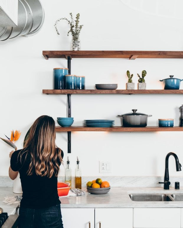 Revamp Your Kitchen by These 5 Customized Wall Decors