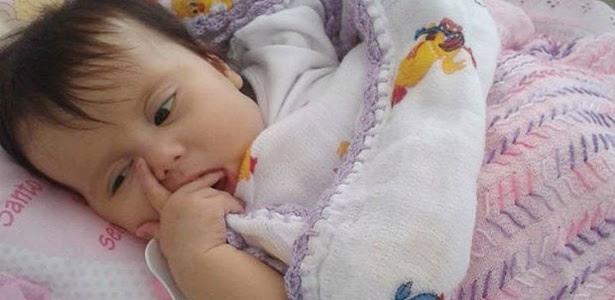 16.jun.2014 - A menina Sofia Lacerda sofre de síndrome de Berdon, , doença rara que afeta o sistema digestivo, e precisa de um transplante que não é realizado no Brasil