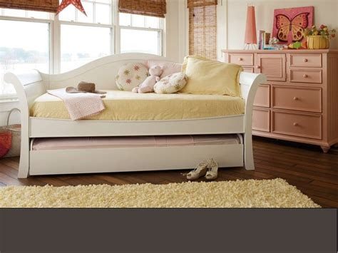 stanley young america  haven trundle bed youth