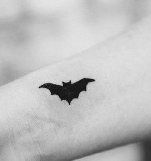 Hena Tattoo Bat Design