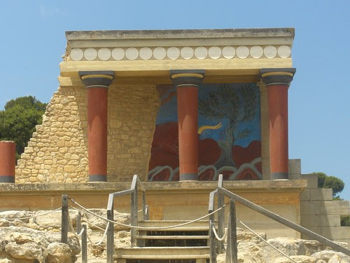 reconstructed columns at knossos