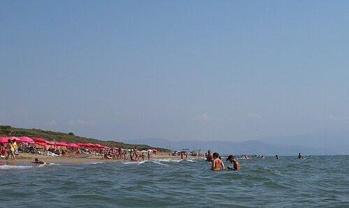Наш любимый пляж -справа