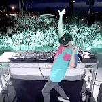 Former Pro Surfer-turned-dj's Smash Hit Voted Second Most Popular Song Of 2018! - Beachgrit