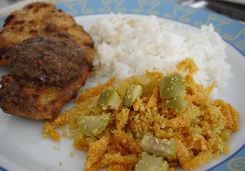 Carrot farofa with chicken parmesan and rice