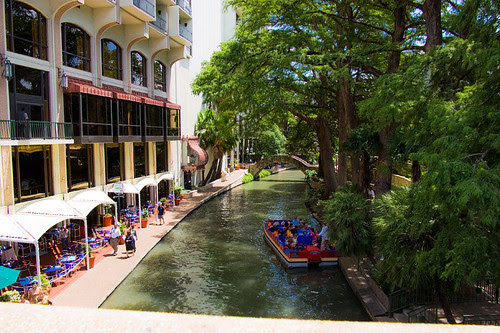 riverwalk_street_level_above_s