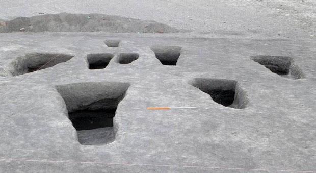 Tumbas excavadas en el cementerio de