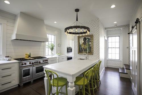artsy kitchen via daily dream decor