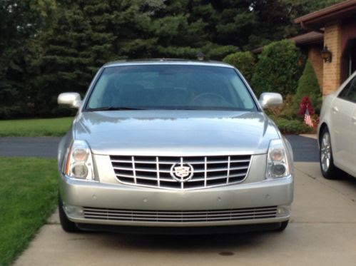 Sell used 2008 Cadillac DTS Platinum Sedan 4-Door 4.6L in ...
