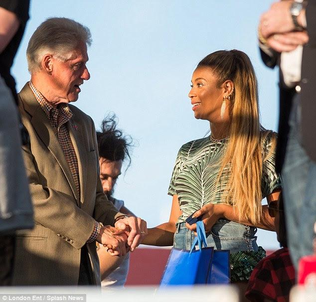 Estou com ela: Beyonce está apoiando a esposa de Bill Hilary para tomar posse como a primeira mulher POTUS