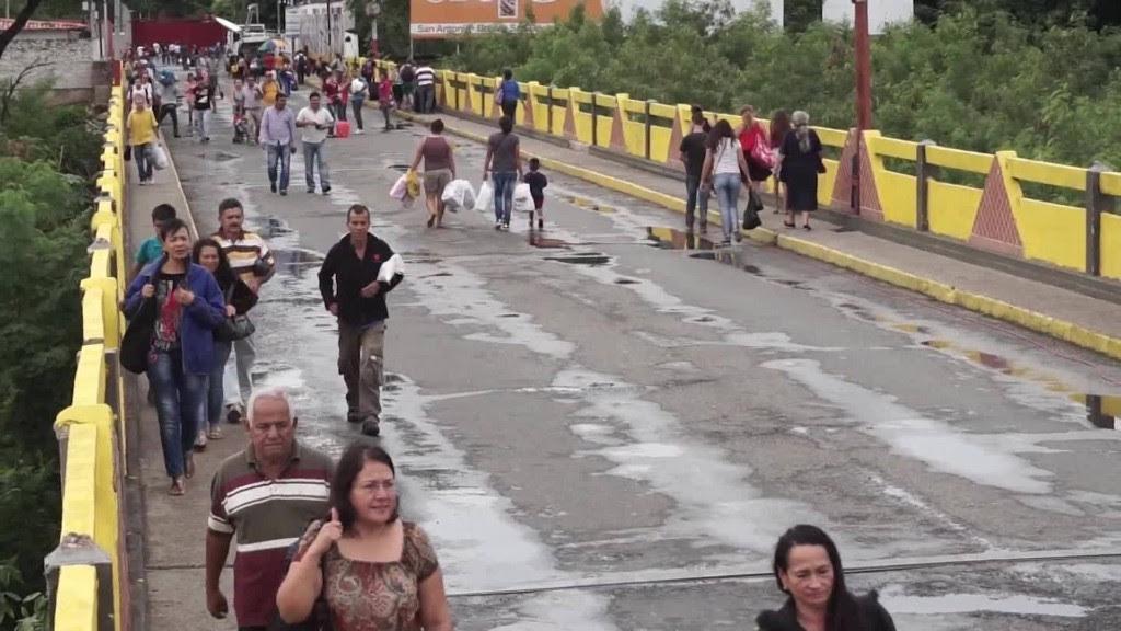 http://i2.cdn.turner.com/money/dam/assets/160720093241-venezuela-border-reopens-rafeal-romo-00014419-1024x576.jpg