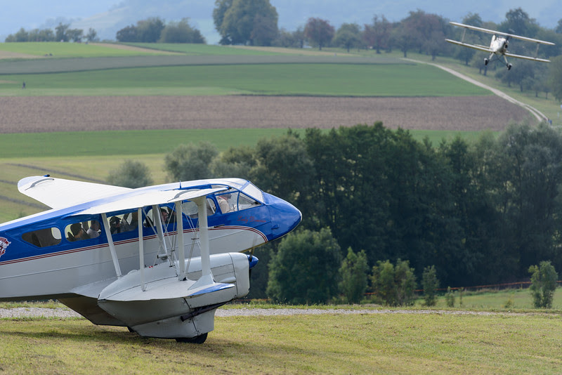 Dragon Rapide Dh 89 waiting for take-off at Hahnweide 2013