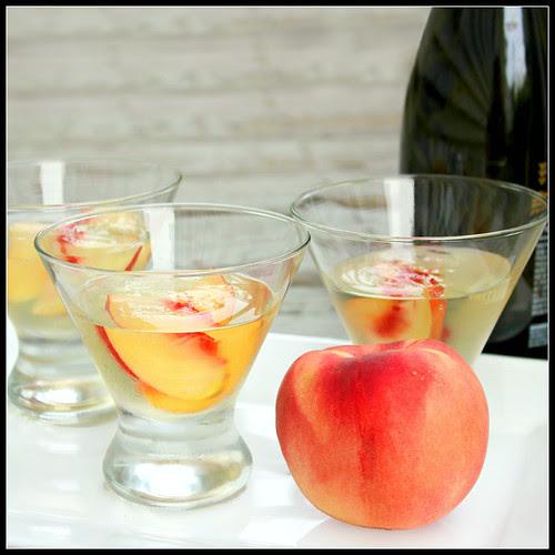 Peach and Prosecco Gelatina