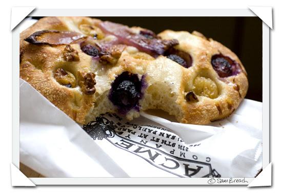 picture photograph image Schiacciata con l'uva Etruscan Grape-filled Bread from Acme bread in San Francisco 2007 copyright of sam breach http://becksposhnosh.blogspot.com/