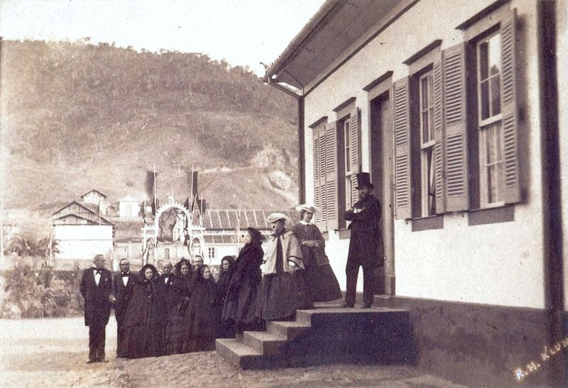 Archivo:Familia imperial 1861.jpg