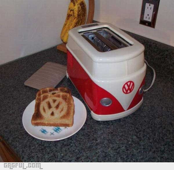 Rare-VW-Bus-Toaster-And-Toast-For-Your-Next-Hippie-Inspired-Breakfast