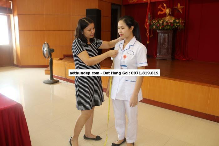 mẫu trang phục y tế theo thông tư 45