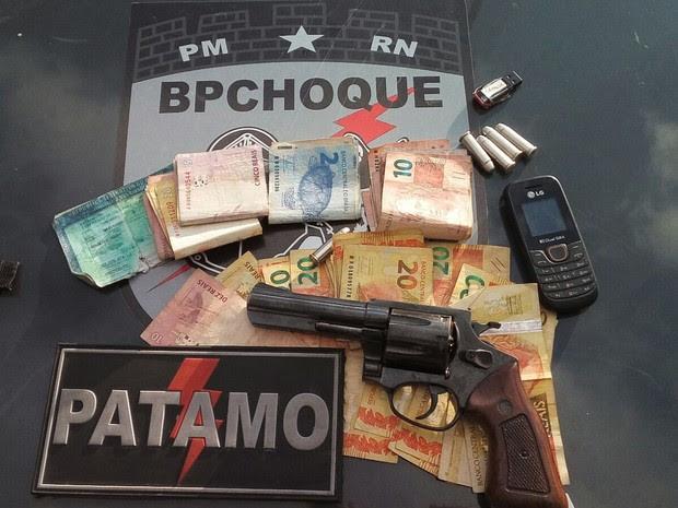 Material apreendido com Dyego Ramon nesta quarta em Parnamirim (Foto: Divulgação/Polícia Militar do RN)