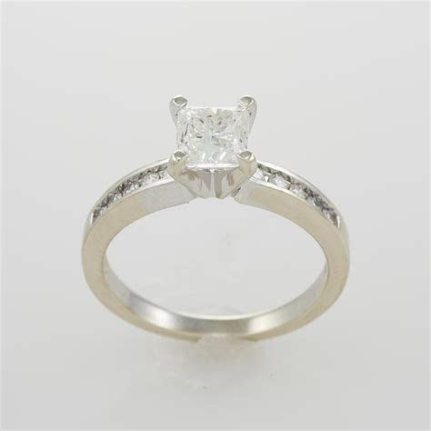 14k White Gold Ladies Radiant Cut Diamond Solitaire