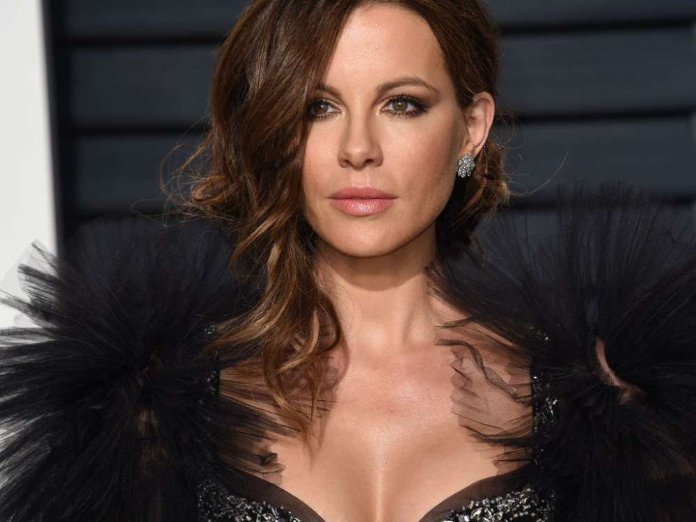 heres-how-kate-beckinsale-reacted-to-being-compared-to-kate-middleton