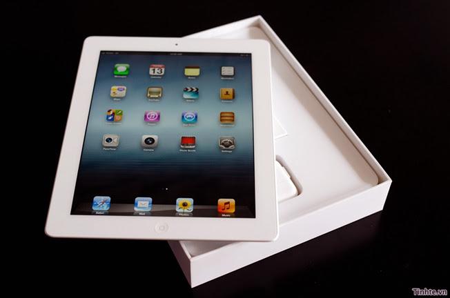 Apple iPad goes on sale at 8AM