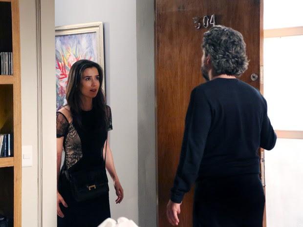 Zé se surpreende com visita surpresa de Cora (Foto: Carol Caminha/ Gshow)