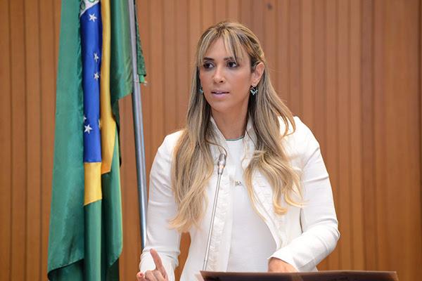 Andrea Murad esclarece que obras inauguradas em Coroatá por Flávio Dino foram deixadas pela gestão passada