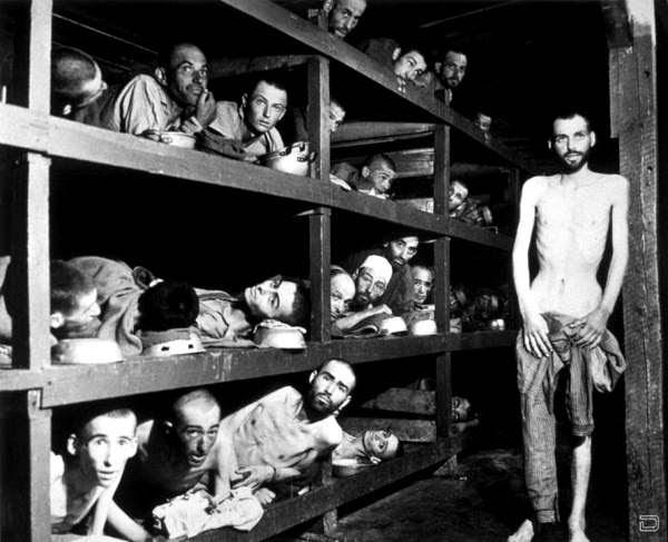 Вот так выглядили узники освобожденного Бухенвальда весной 1945г.: