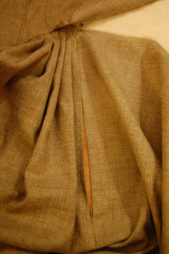 Making a robe a l'anglaise 22