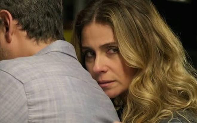 Giovanna Antonelli (Atena) em cena de A Regra do Jogo com Alexandre Nero (Romero)  - Reprodução/TVGlobo