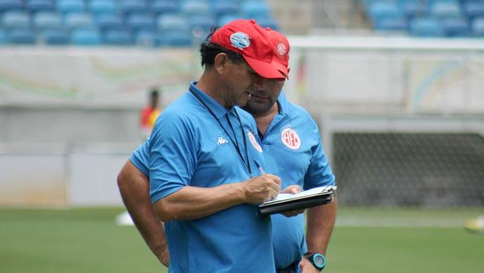 Guilherme Macuglia, técnico do América-RN (Foto: Canindé Pereira/Divulgação)