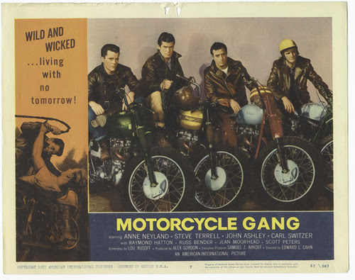 motorcycle_gang_02