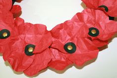 Making a tissue paper wreath