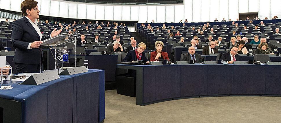 """""""Premier świetnie wypadła"""", """"Polska na ławie oskarżonych"""". Komentarze po debacie w PE"""