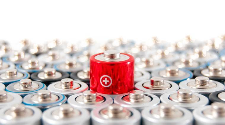 Lithium-sulphur batteries, smartphone battery life, University of Texas Dallas, battery technology, charging cycles, lithium-ion batteries, electric conductivity