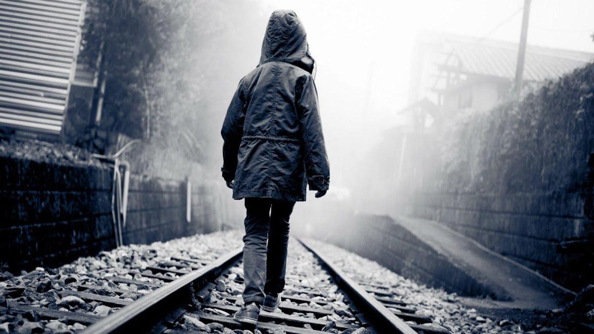 nene timido en soledad