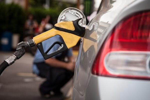 Litro da gasolina no Ceará chega a R$ 7,10, segundo preço mais alto do Nordeste e 5º do Brasil