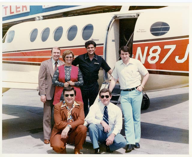 Mike Huckabee_ Reba Ware by plane