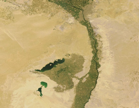 Lake Moeris and Faiyum Oasis, as seen from space, south-west of the Nile Delta and Cairo. Credit: Earth Snapshot