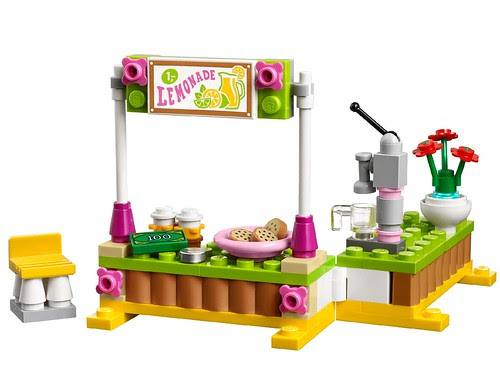 LEGO-Friends-Lemonade-Stand-41027-2